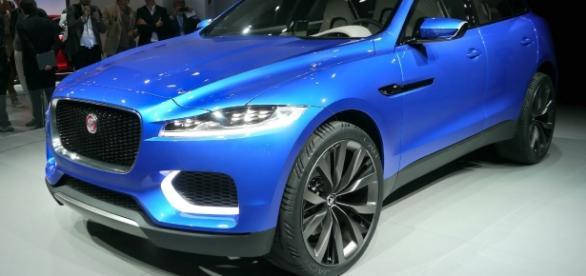 Jaguar en el nuevo F-Pace cruzado en 2016