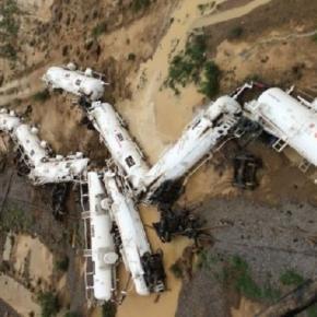 Un tren cu 200.000 l de acid sulfuric a deraiat