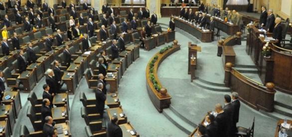 Plenul Senatului dezbate azi imunitatea lui Șova