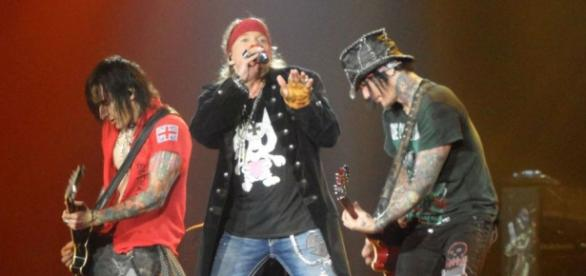 Guns N Roses have reunited to play 2016 Coachella.