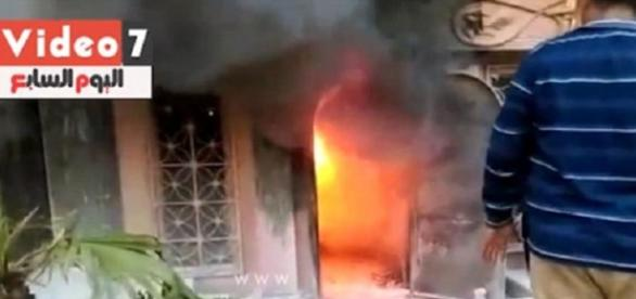 Atac în Cairo cu sticle incendiare