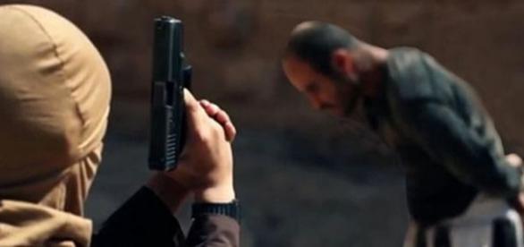 Copil tranformat de ISIS într-o maşină de ucis
