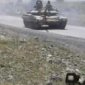 Tancuri rusești la granița Ucrainei