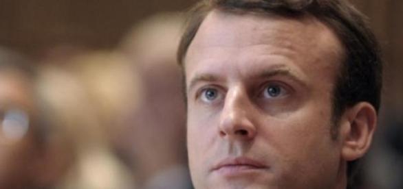 """Macron, le """"besogneux"""" de la République"""