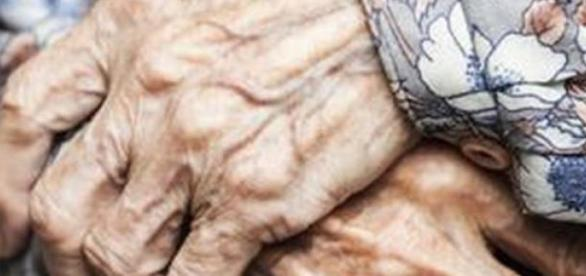 Mujer de 115 años sobrevive comiendo huevos crudos
