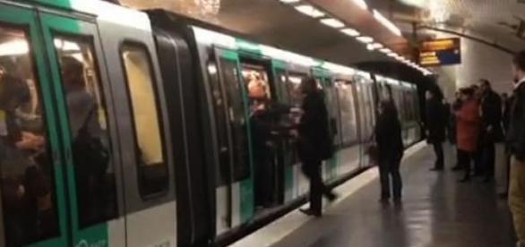 Un homme a été victime de racisme dans le métro.