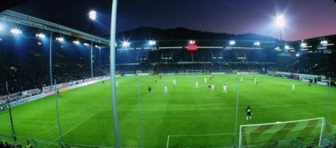 Das aktuelle Stadion des Bundesliga-Erstligisten Sportclub Freiburg in der Schwarzwaldstrasse ist zu klein geworden.