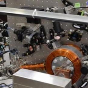 Supera en precisión a los relojes atómicos