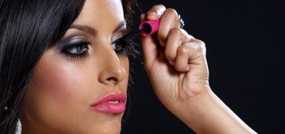Viele Frauen reduzieren sich auf ihre Schminke.