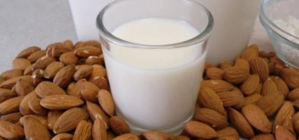 Leche de almendras: fuente de vitaminas