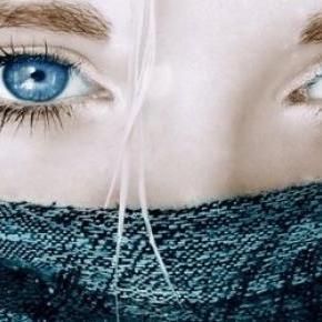A kék szem szépséget ébreszt.