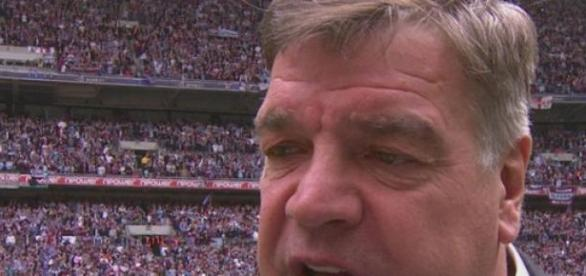 Allardyce says Valencia could miss Arsenal game.