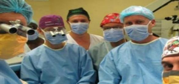 A sikeres műtétet elvégző orvos csapat