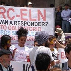Die Bevölkerung geht gegen die FARC auf die Straße