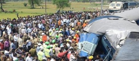 Súlyos vonatbaleset történt Indiában