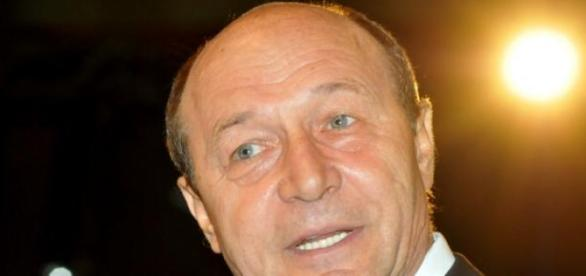 Basescu contraataca: sunt mandru de mandatele mele