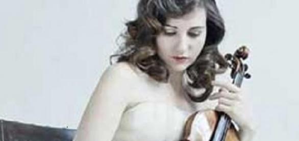 Margulis en concierto con viólin y piano.