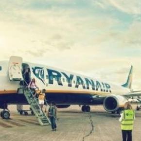 Avion Ryanair sur un tarmac