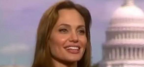 Angelina Jolie, screen Youtube