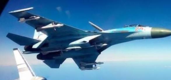 Avion rusesc interceptat de avioane NATO