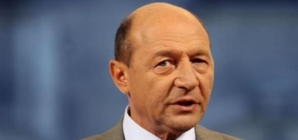 Traian Basescu, noi atacuri in spatiul virtual