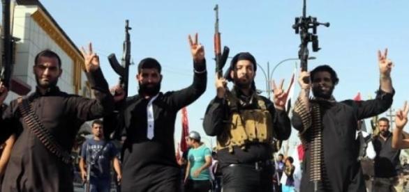 Activista previene a niñas de las garras del islam
