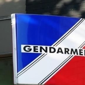 La gendarmerie poursuit son enquête.