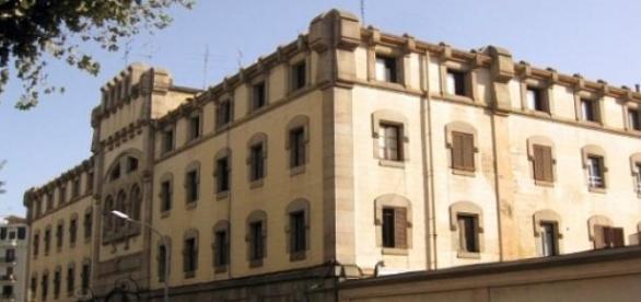 La Presó Model vista desde la calle de Entença.