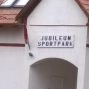 Képen látható: Jubileum Park