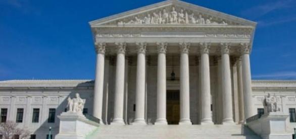 La Cour suprême donne raison aux groupes religieux