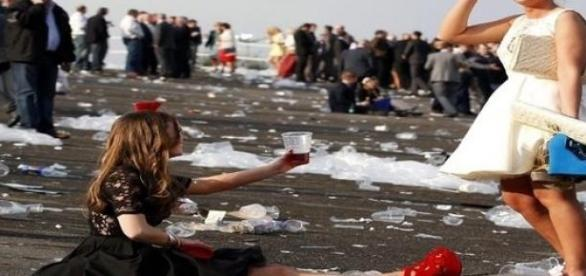 Ladies Day ends in chaos for many race-goers