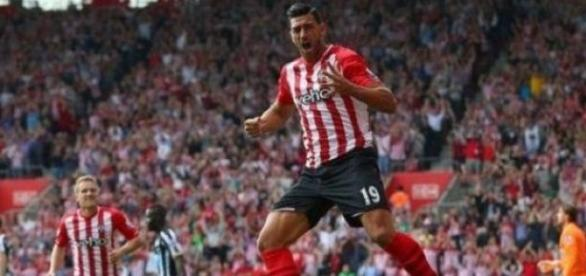 Pelle scored Saints' second to ensure Hull lost