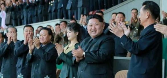 Pierwsza dama Korei Płn towarzyszy swemu mężowi