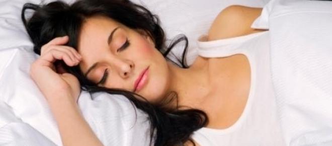 Somnul la timp este foarte important.