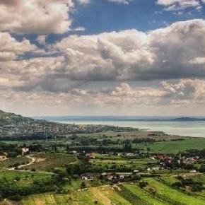 A Balaton csodálatos panorámája