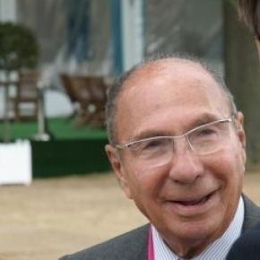 Serge Dassault aura une avenue portant son nom.