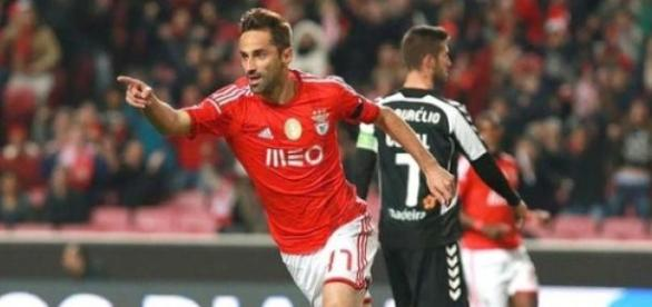Jonas em alta no ataque do Benfica