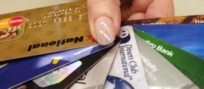 card de credit, plati, avantaje, dezavantaje