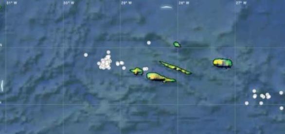 Dezenas de sismos registados ao largo das ilhas