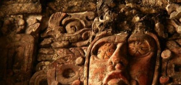 A maya Napistenség, Kinich Ahau ábrázolása