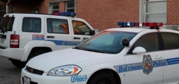 La police de Baltimore a été menacée lundi.