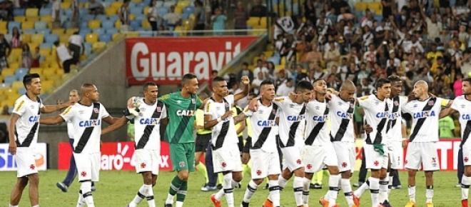 Vascaínos comemoram a vitória sobre o Botafogo
