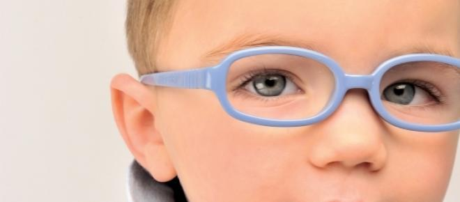 Problemele oftalmologice ale copiilor prescolari se pot crecta complet.