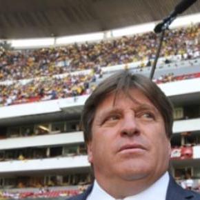 Miguel Herrera paga el precio de su fama.