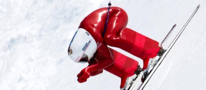 Simone Origone a descer os alpes franceses a mais de 252Km/h