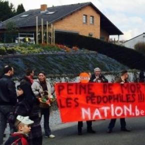 """Le groupe """"Nation"""" et ses slogans sans équivoque."""