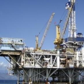 Greenpeace campe sur une plateforme de Shell.