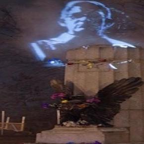 Edward Snowden als Hologramm in Brooklyn, New York