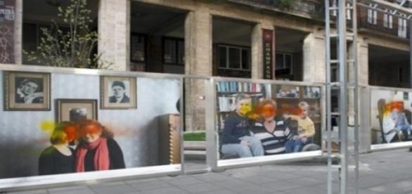 70 év unokái holokauszt kiállítás, megrongálva