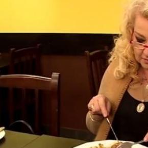 Magda Gessler próbuje barowych dań
